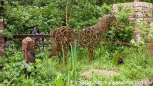 The-World-Horse-Welfare-Garden-Adam-Woolcott-and-Jonathan-Smith_wynik